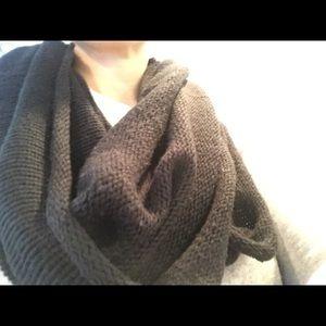 Steve Madden Black cowl infinity loop  scarf